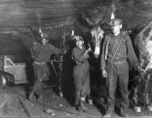 Coal miners underground in 1908